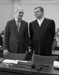 Hans Berger (l.) mit seinem Verteidiger Otmar Kury.