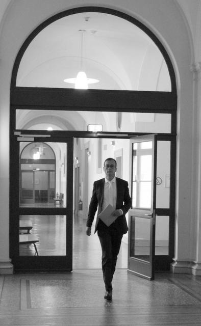 Richter Marc Tully vor dem Urteil
